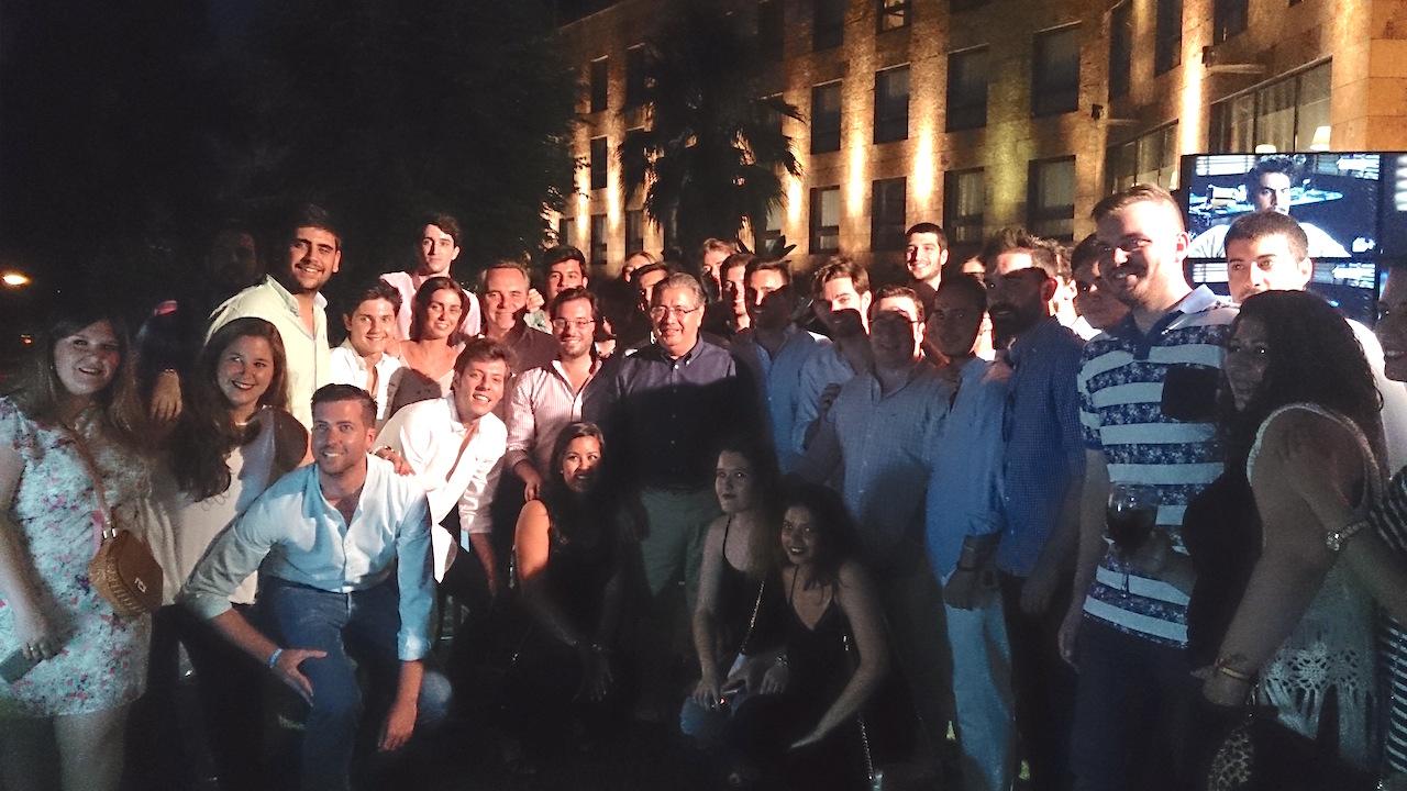 Bueno y Zoido clausuran la campaña con NNGG de Sevilla