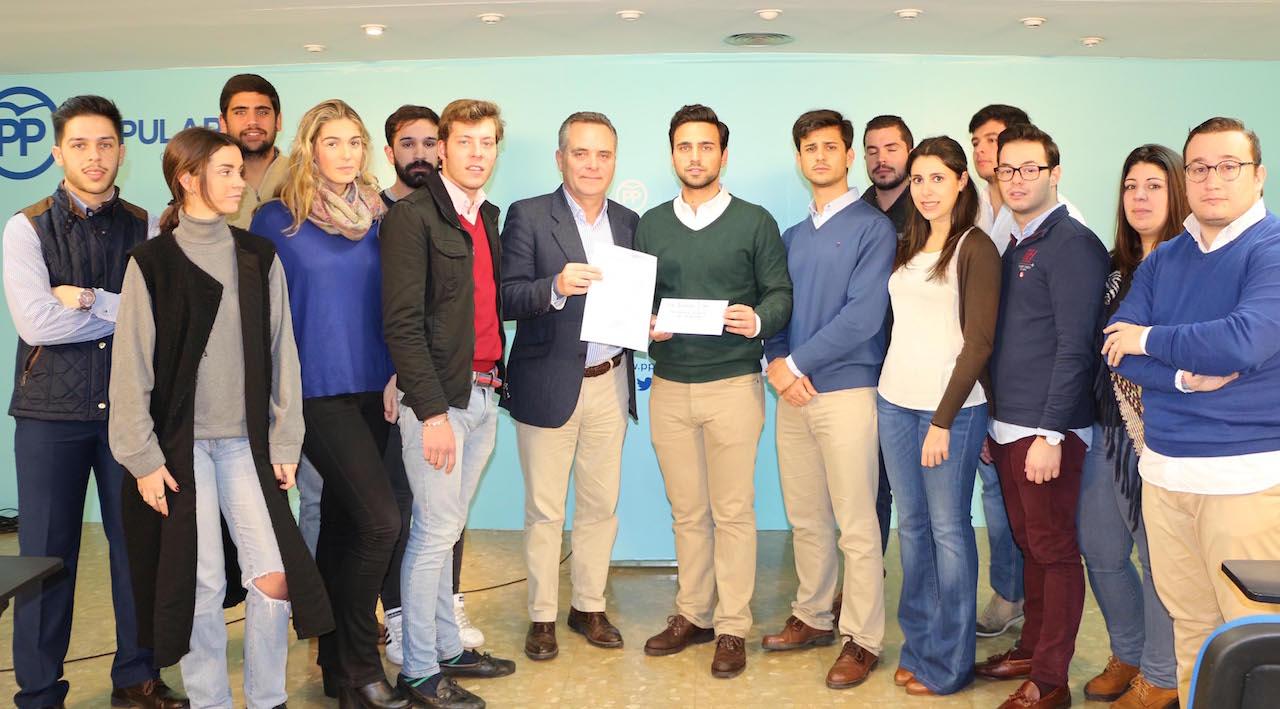 """El PP pide a la Junta que """"desbloquee"""" 2.839 solicitudes formalizadas desde 2014 para el Bono de Empleo Joven"""