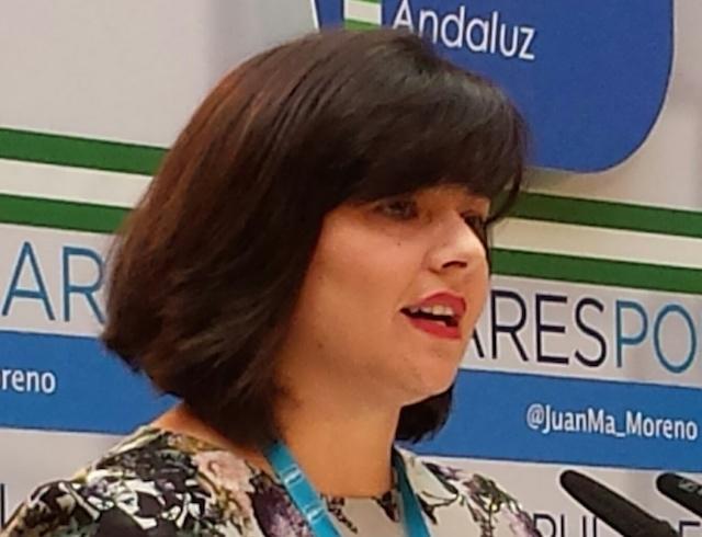 """Virginia Pérez: """"Gracias al Gobierno de Rajoy, Lora del Río contará con un paso inferior peatonal y de vehículos por debajo de la línea férrea de Adif"""""""