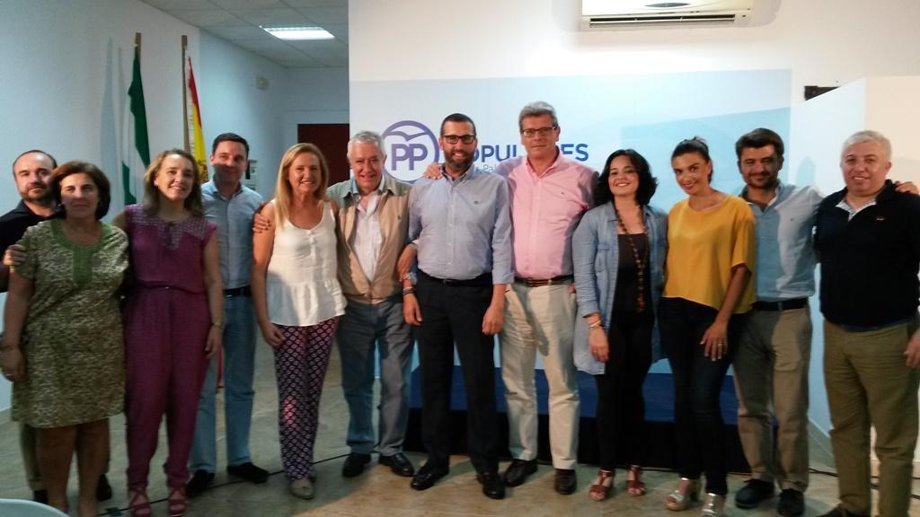 Arenas inaugura la sede del PP en Los Palacios