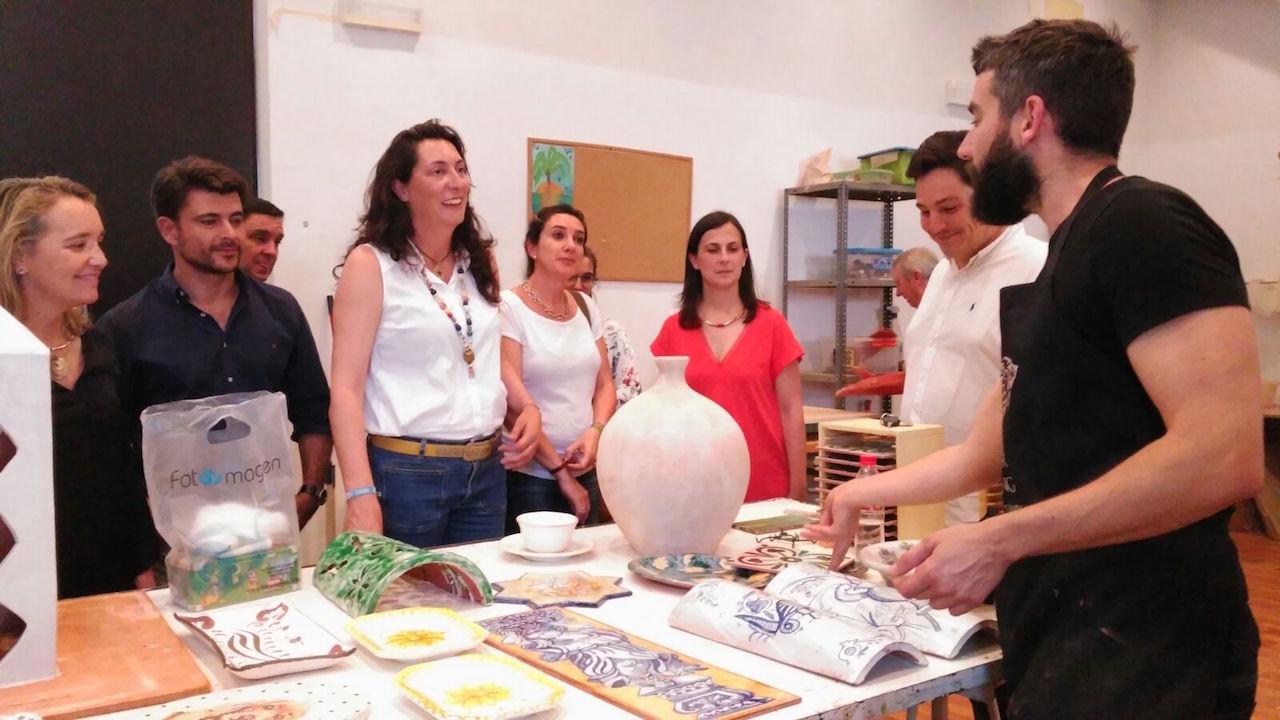 """Loles López: """"El trabajo diario de nuestros concejales en los municipios es un pilar imprescindible para mejorar la calidad de vida de los vecinos"""""""