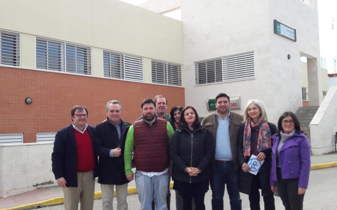 El PP denuncia el abandono de la Junta al que tiene sometido al centro de Salud de Lora del Río