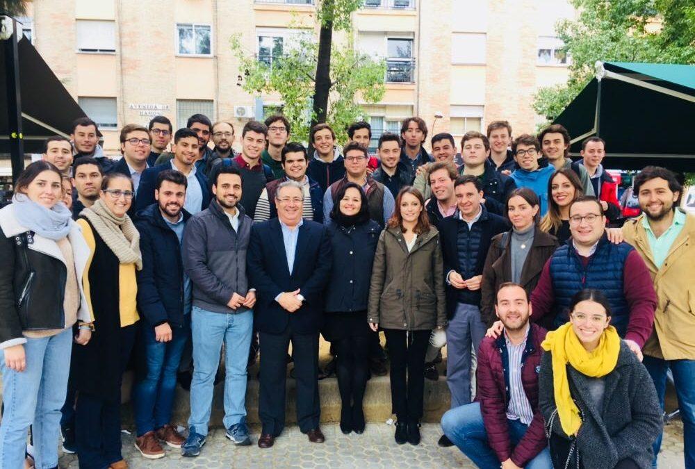 Andrea Levy, Juan Ignacio Zoido y Virginia Pérez se reúnen con Nuevas Generaciones