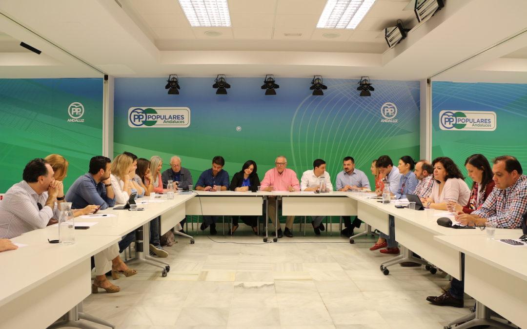 El PP sigue trabajando por los sevillanos mientras el PSOE de Susana y Espadas se pliega a los intereses de los independentistas