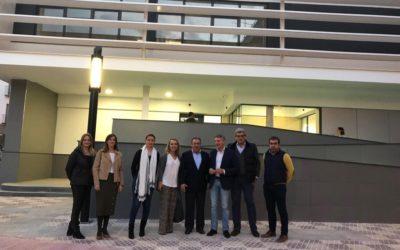 Juan Ignacio Zoido visita la Cooperativa Agropecuaria y el Centro de Salud de Herrera