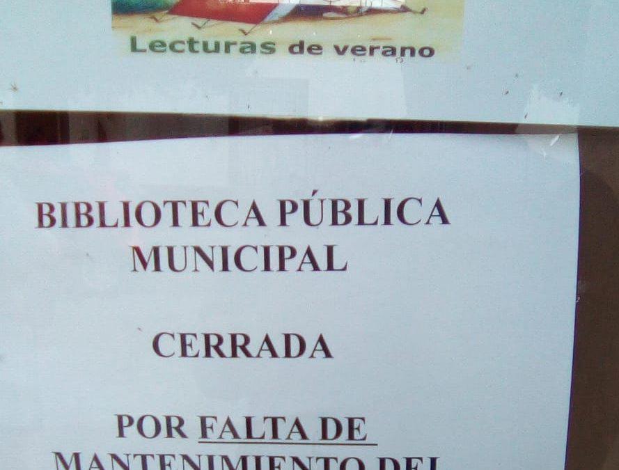El PP califica de 'surrealista' que el propio Ayuntamiento ponga un cartel en la biblioteca anunciando su cierre por 'falta de mantenimiento del edificio'