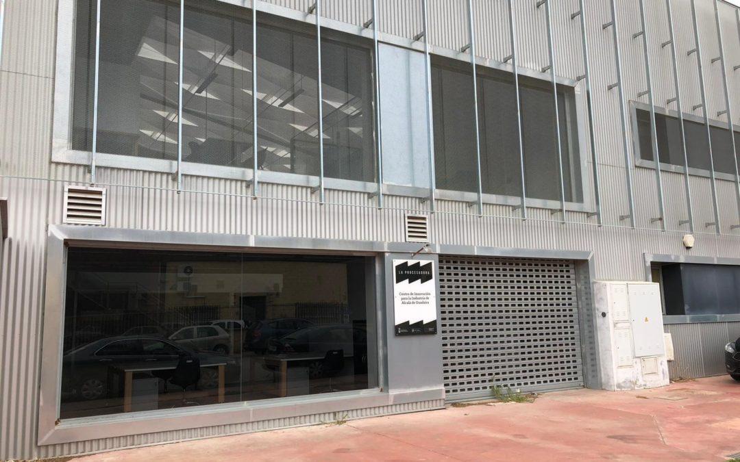 El PP reclama a la Alcaldesa de Alcalá un plan de reactivación del Centro Empresarial 'La Procesadora' que lleva cuatro años cerrado