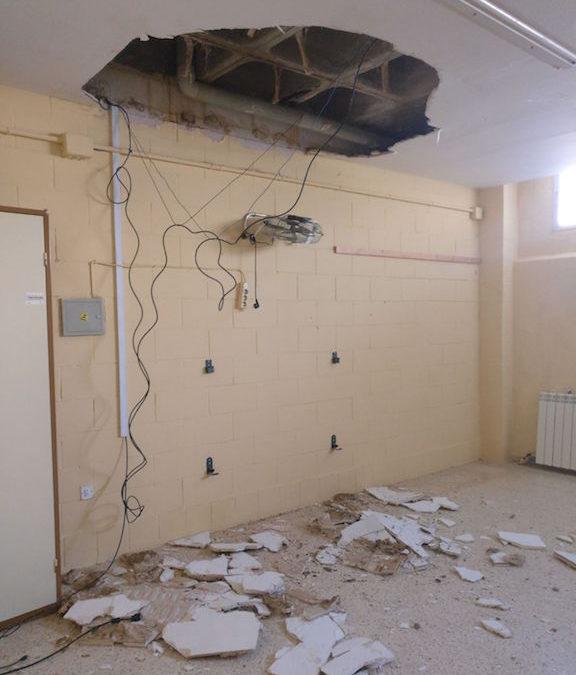 El PP exigirá explicaciones en el Parlamento ante la caída del techo de un aula en el centro Ana Josefa Mateo