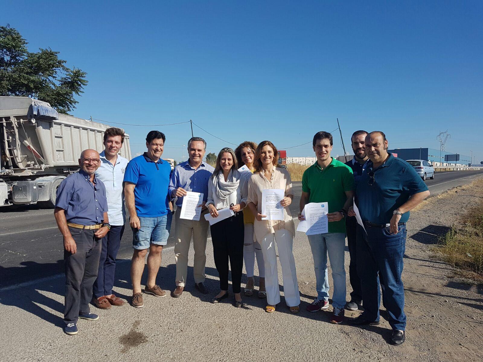 El PP de Sevilla pide a la Junta que arregle de forma inmediata el nudo de intersección entre la A-8006 La Algaba- Alcalá del Río y el acceso de la A-8080 Torre de la Reina Guillena